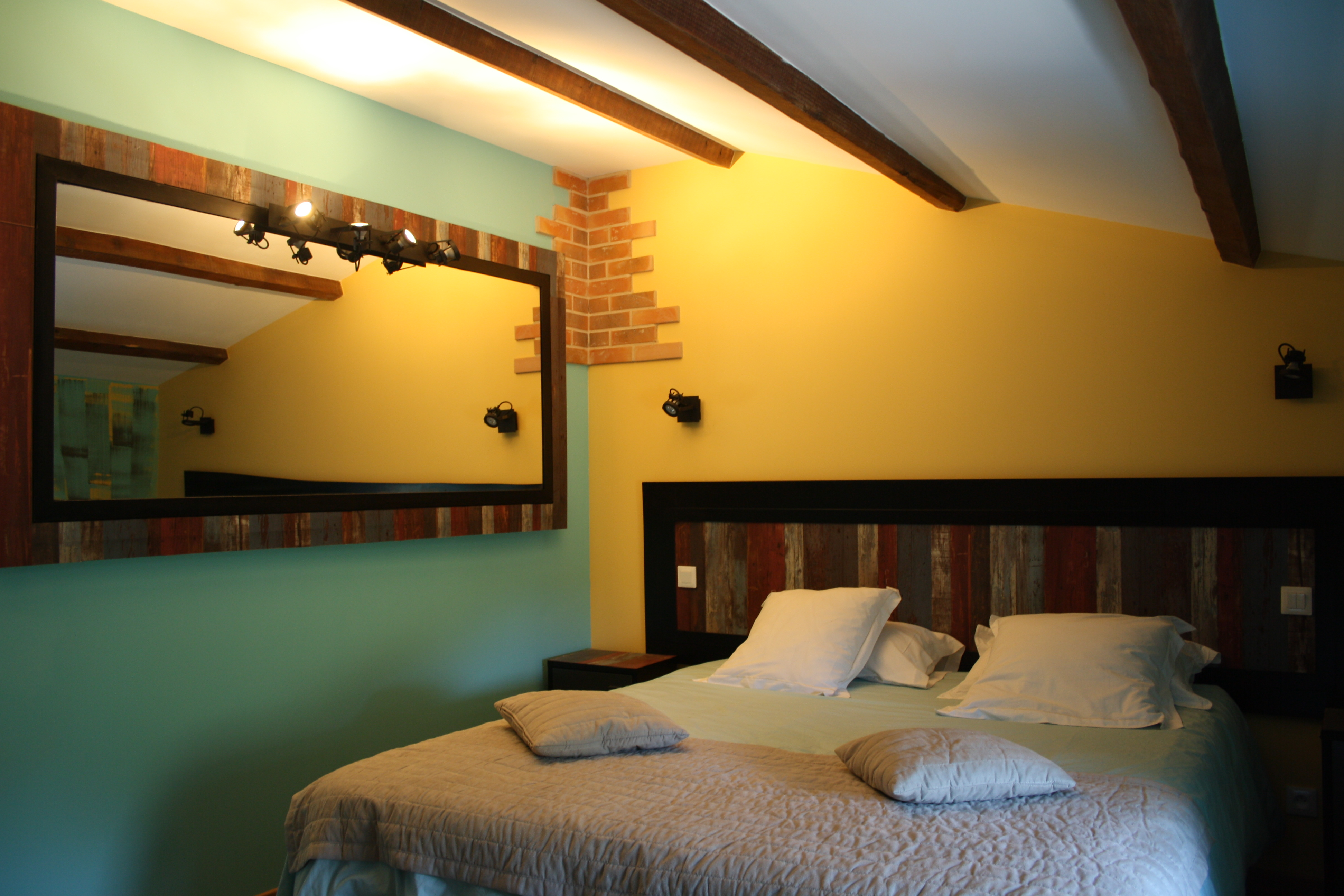 Chambres d 39 h tes chalets chambres haute gamme al s anduze for Chambre hote ales